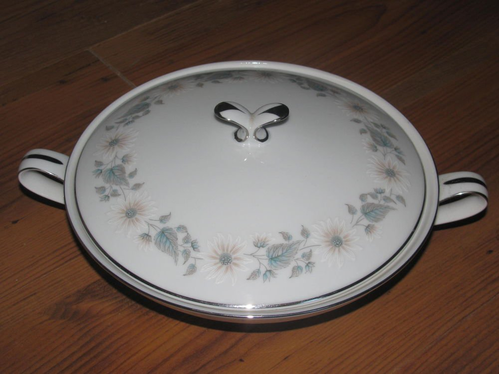 Vintage Noritake China Wellesley 6214 Round Covered Vegetable Dish/Bowl