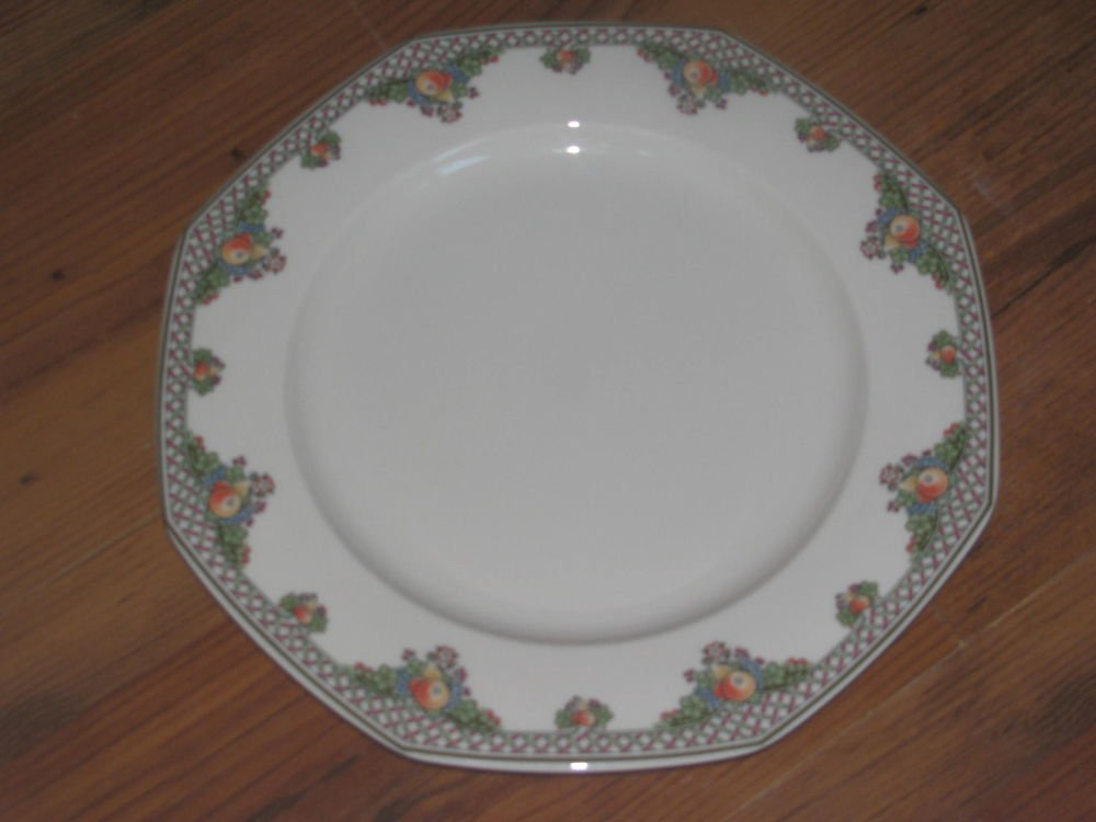 "Wedgwood Pergola Ivory China Dinner Plate 10 7/8"""