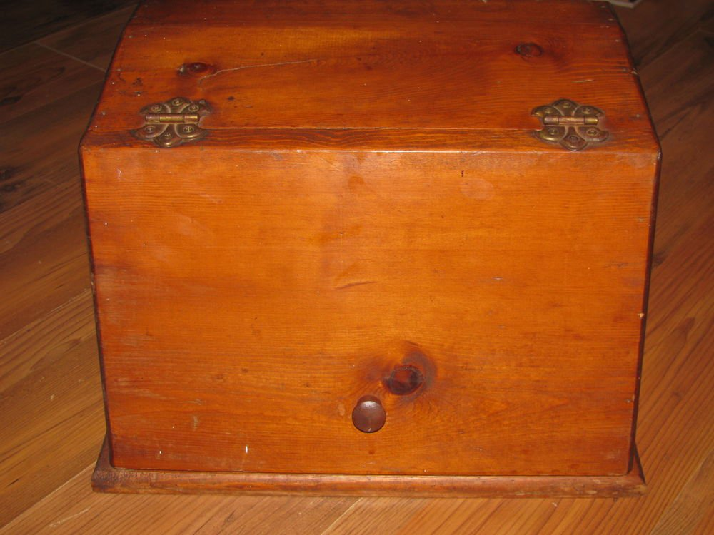 """Vintage Wood Bread Box Approx. Length - 15.75""""  Height - 11.5"""" Depth  - 11.75"""""""