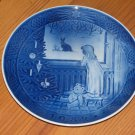 "VINTAGE 1982 ROYAL COPENHAGEN CHRISTMAS PLATE ""WAITING FOR CHRISTMAS"""