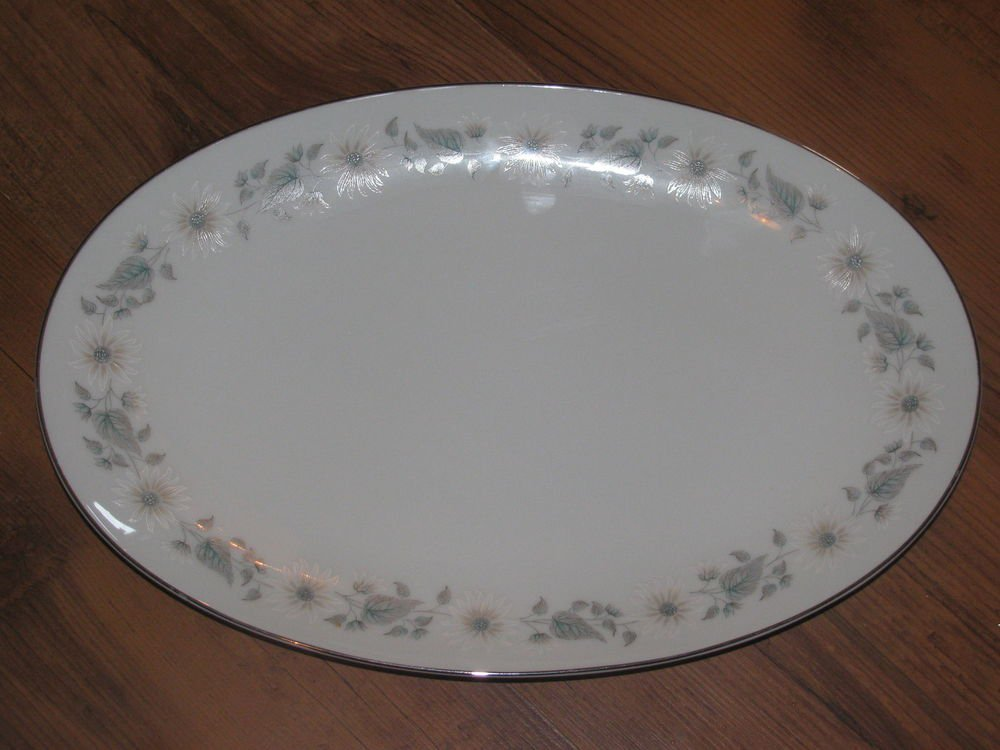 "Noritake Wellesley 14 1/4"" Oval Platter 6214 - Excellent Condition"