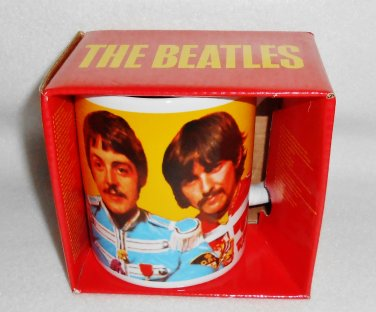 """THE BEATLES """"Sgt Peppers Lonely Hearts Club Band"""" Mug 12oz NEW IN BOX"""
