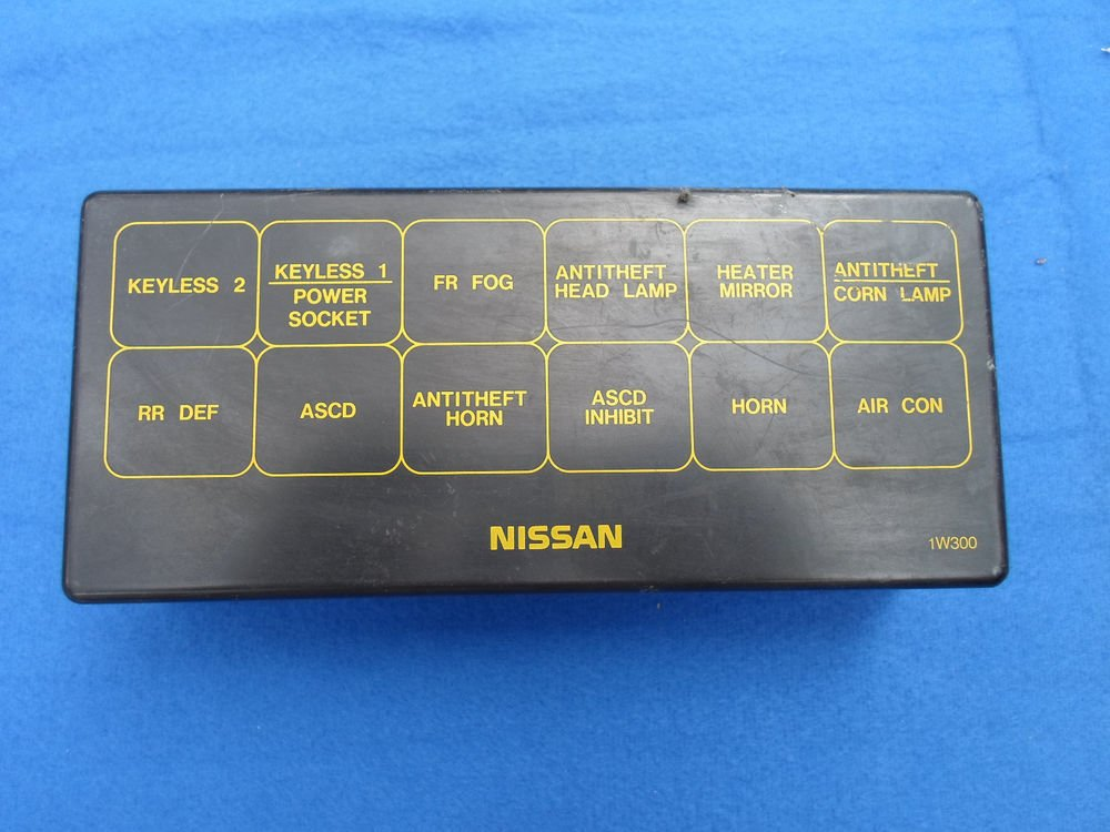 2001 Infiniti Qx4 Fuse Relay Panel Cover Lid Oem Free Shipping  A10