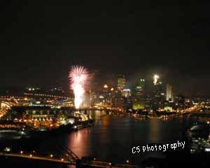 Pittsburgh Fireworks (pitt 018d) - 8 x 10 Matted Photograph