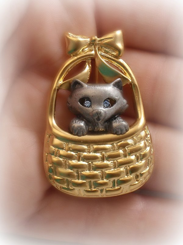 Danecraft Cat in a Basket Pin New Old Stock 1980s Vintage