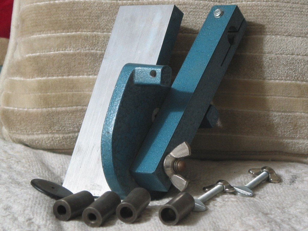 HIT PRODUCTS Drill Bit Guide Doweling Hole Jig Wood