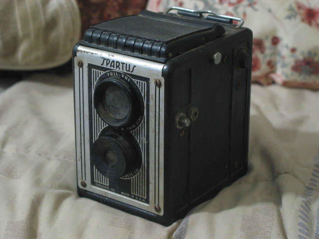 SPARTUS Full Vue Box Camera Twin Lens Not Working