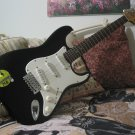 FENDER Squier Stratocaster Affinity Guitar Needs Work
