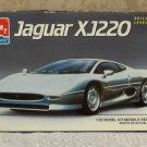 JAGUAR XJ220 Sports Car Model Kit 1/25 AMT / ERTL