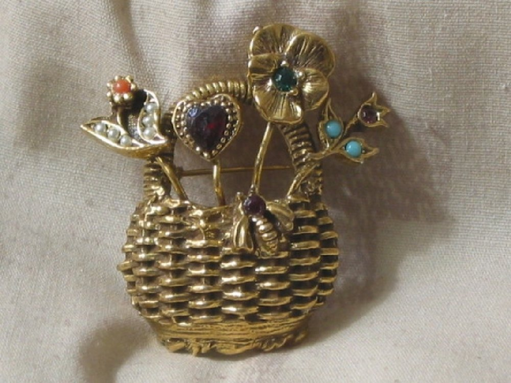 GOLDETTE Gold Basket Brooch Rhinestone Vintage Jewelry
