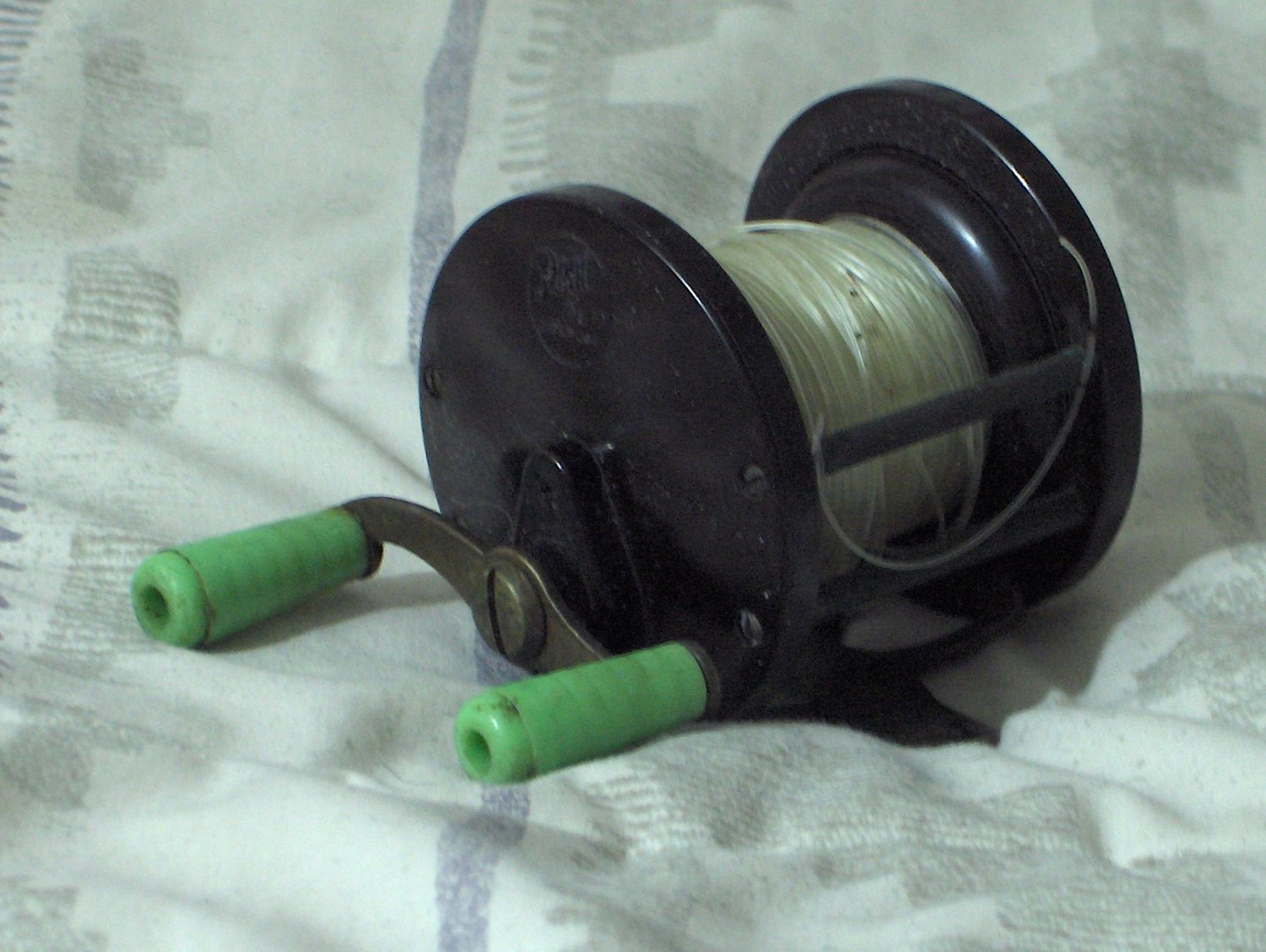 Penn no 77 seahawk vintage open fishing reel green knobs for Open reel fishing pole