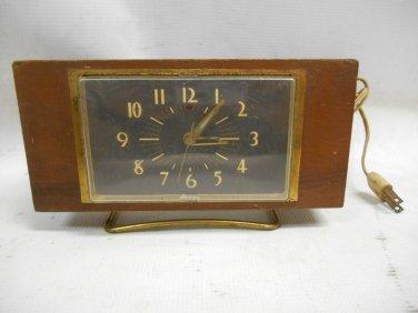 Vintage General Electric GE Wooden Shelf Mantel Alarm Clock Model 7H259, Working