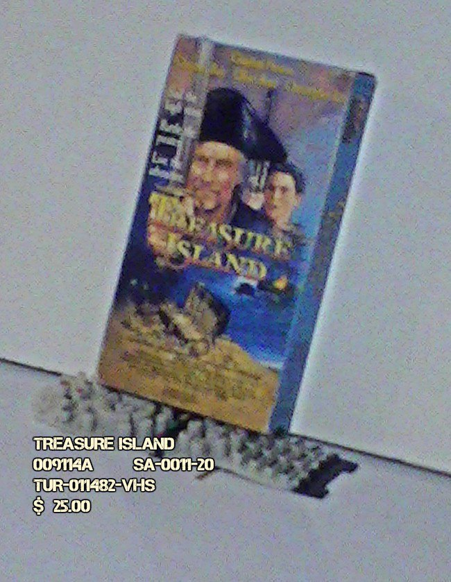 VHS - TREASURE ISLAND