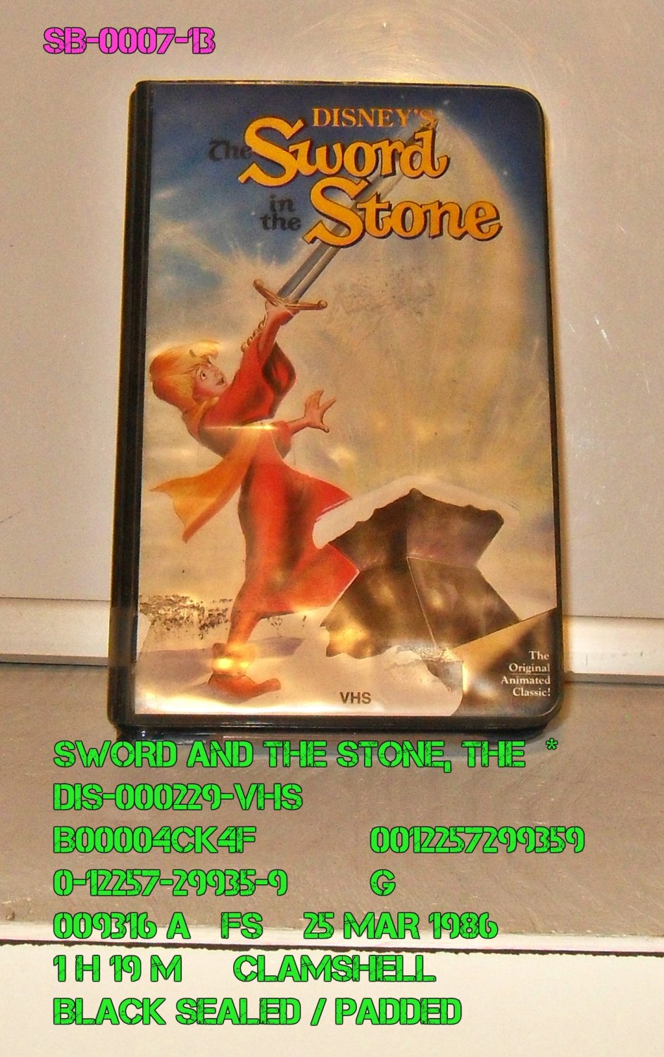 VHS - SWORD IN THE STONE  *