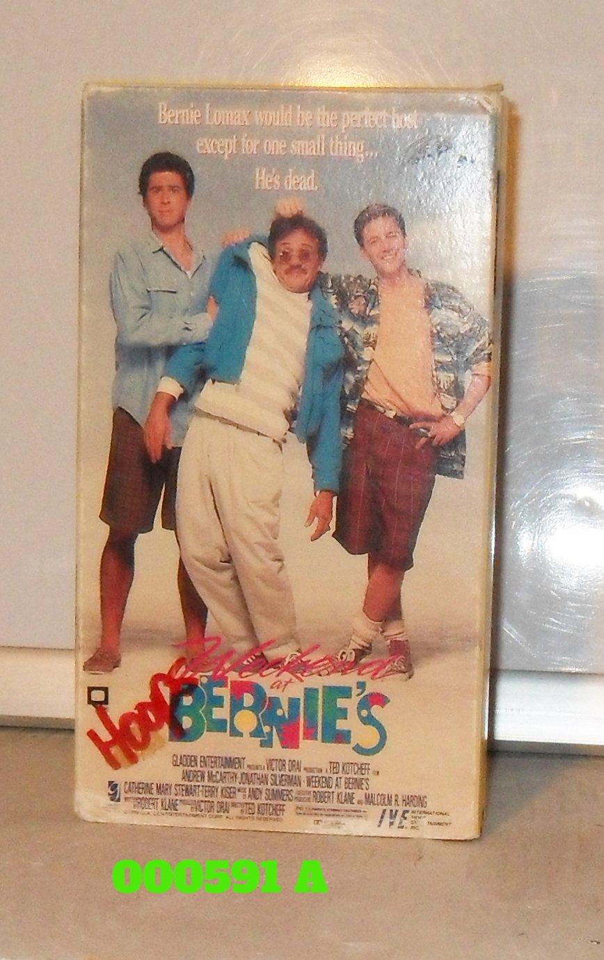 VHS - WEEKEND AT BERNIE'S