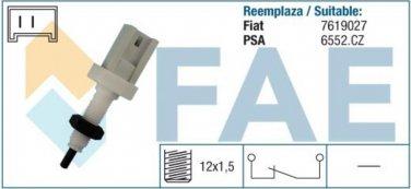 24370 stop light switch CITROEN FIAT LANCIA PEUGEOT 7619027 6552CZ