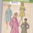 Simplicity 9074 Uncut 10 Button Front Robe Raglan Sleeves Stand Up Collar Vintage 1970s 70s
