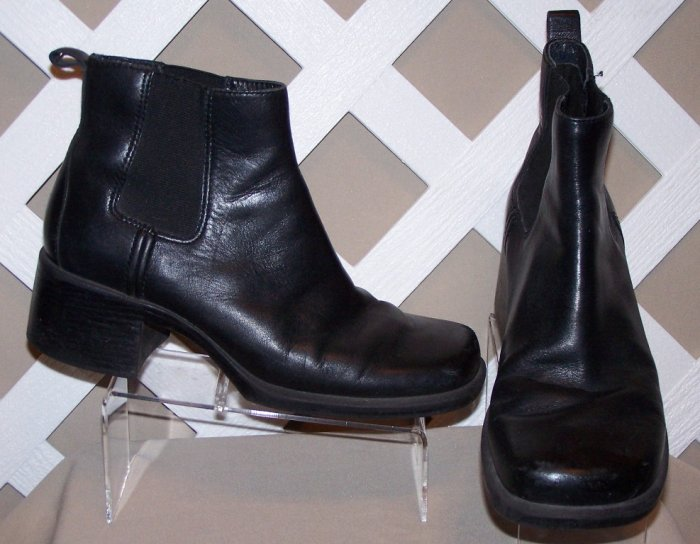 Womens Ladies Clarks Leather Ankle Boots 7