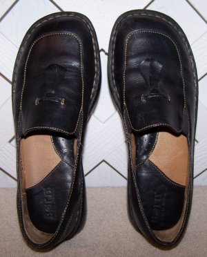 Women�s Born Black Leather Shoes Size 7 Like New