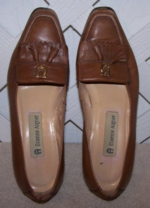 Women�s 5 ½ Etienne Aigner brown leather Shoes Size 5 ½
