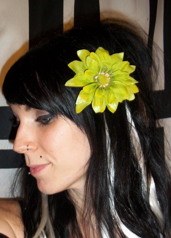 Lime Green Shasta Daisy Flower Barrette