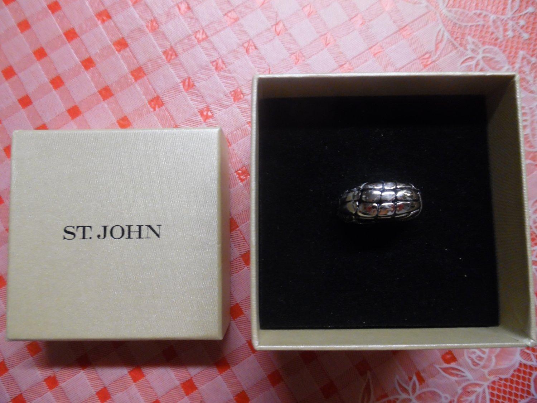 ST. JOHN Silver Snakeskin Design Ring - women Size 7