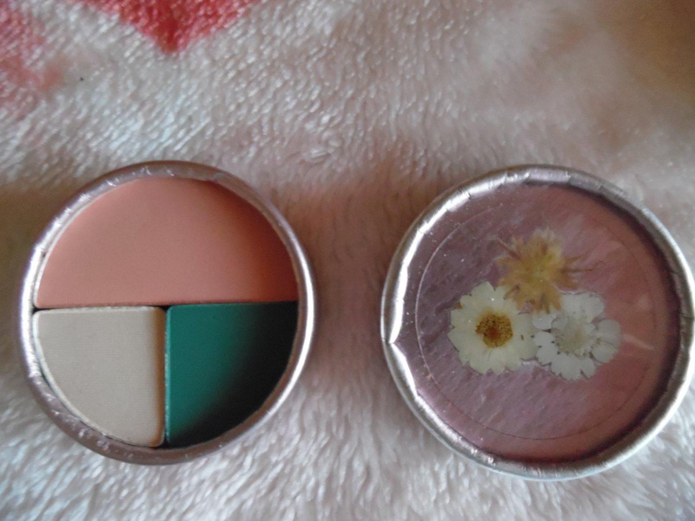 STILA COSMETICS Limited Edition Jade Blossom Eyeshadow/Cheek Color Palette