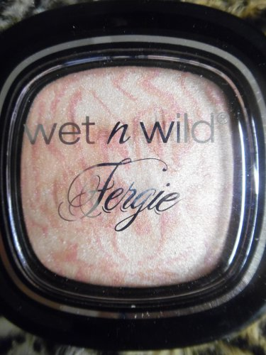 """Wet N Wild FERGIE LIMITED EDITION """"Rose Champagne Glow"""" To Reflect Shimmer Palette"""