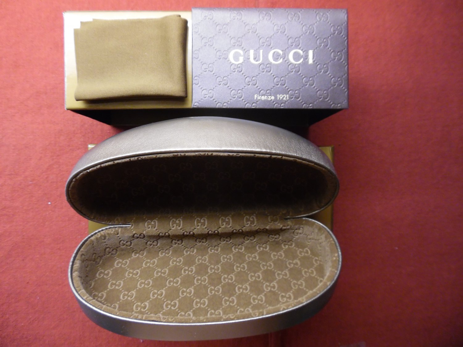 GUCCI Unisex Bronze Sunglasses Case with Cleaning Cloth