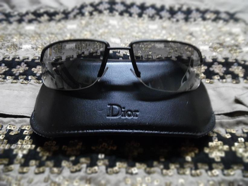 DIOR HOMME Men's Black Sunglasses With Black Leather Sunglasses Case