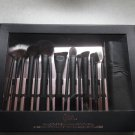 QUO Limited Edition Behind The Scenes Brush Set With Roll