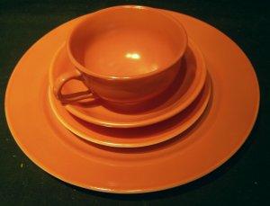 Hazel Atlas 'Ovide' glassware brown 4 piece place setting