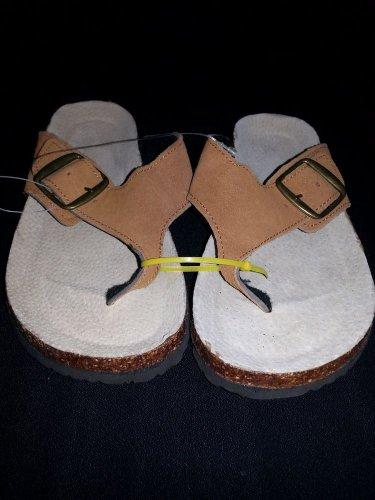 Summer Sandal Flip Flops Flat Footwear no name Brand size B/W 6 -7.5 custom made