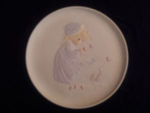 Precious Moments Winter's Song 4th of Four Seasons Series Plates 1984 Retired