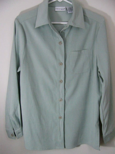 NWT CROFT & BARROW STRETCH SAGE GREEN BLOUSE SHIRT SIZE SMALL NEW WITH TAGS $30