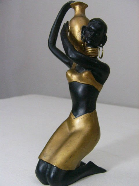 African Kneeling Lady With a water jug gold clothes Resin Statue Statue Figurine