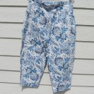 Briggs NY Capris Floral 31 inch Waist White Blue