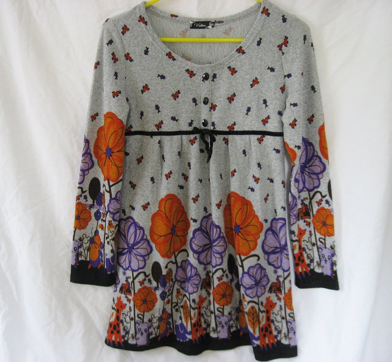 Victoria Knit Top Medium 33 Chest Gray Print Floral Soft Jersey Empire