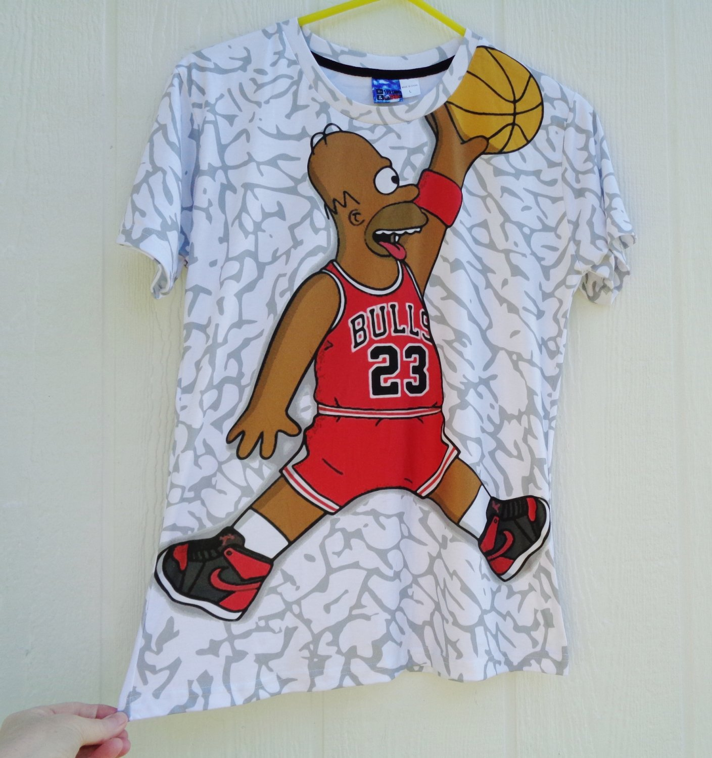 Mr & Miss 1991Inc Homer Simpson Basketball T Shirt Top Large 38 Chest 23 Bulls