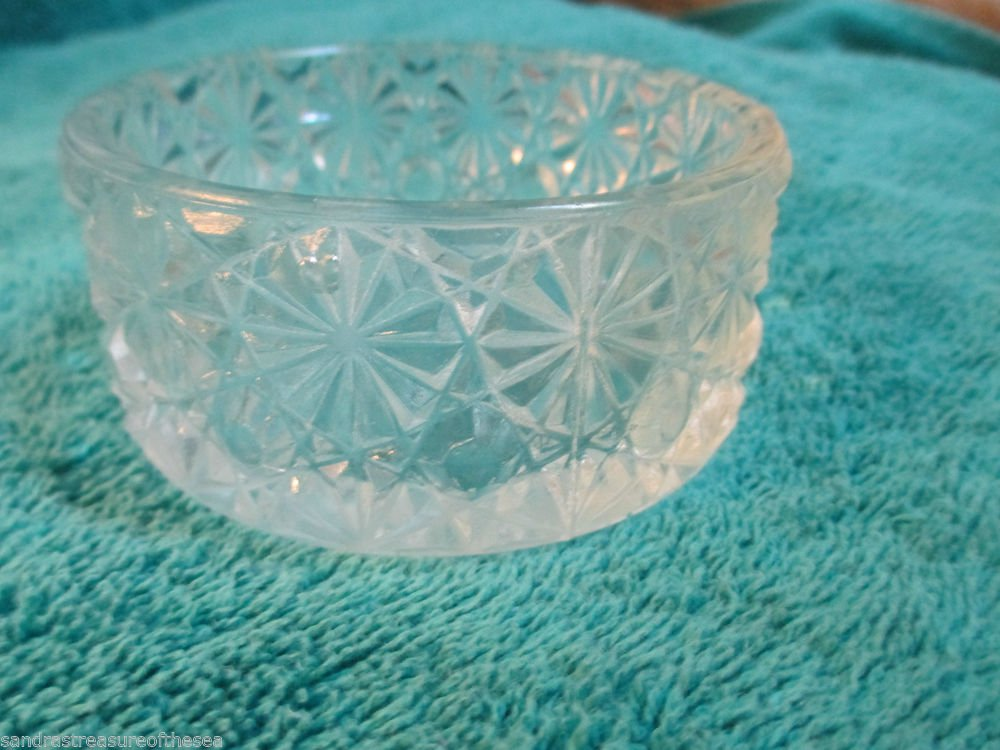 Vintage LG Wright Small Dish Bowl Daisy and Button Pattern