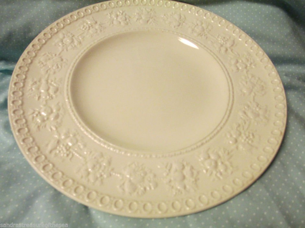 Wedgwood China Etruria and  Barlaston Wellesley Embossed Queens Ware Lunch Plate