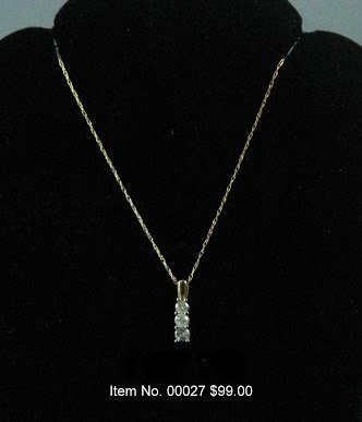 Item No. 00027 Diamond Necklace in 14K Yellow Gold Setting