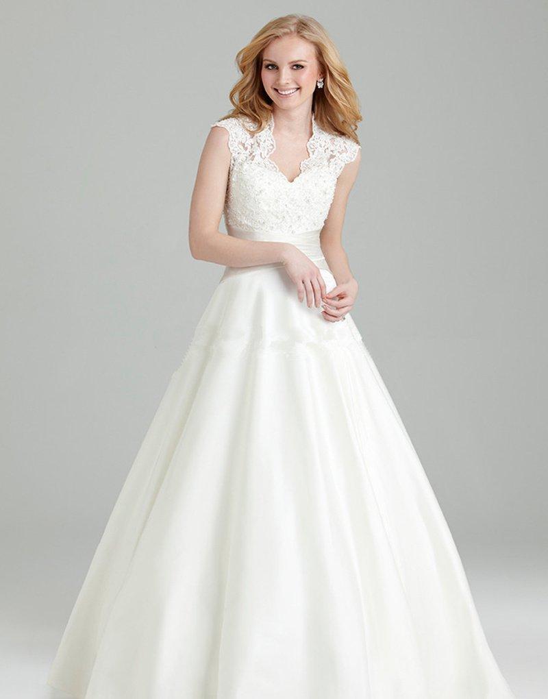Plus Size Wedding Dress Sexy V-neck Sleeveless Long White Lace Wedding Dress Appliques Zipper