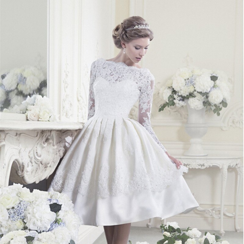 New Backless Popular A-Line Short Prom Dress Knee Length Long Sleeve White Short Lace Prom Dress