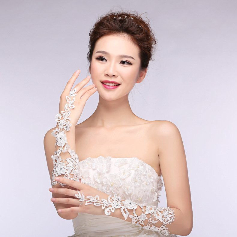 new lace bridal gloves married a long section of the spring and summer wedding accessories