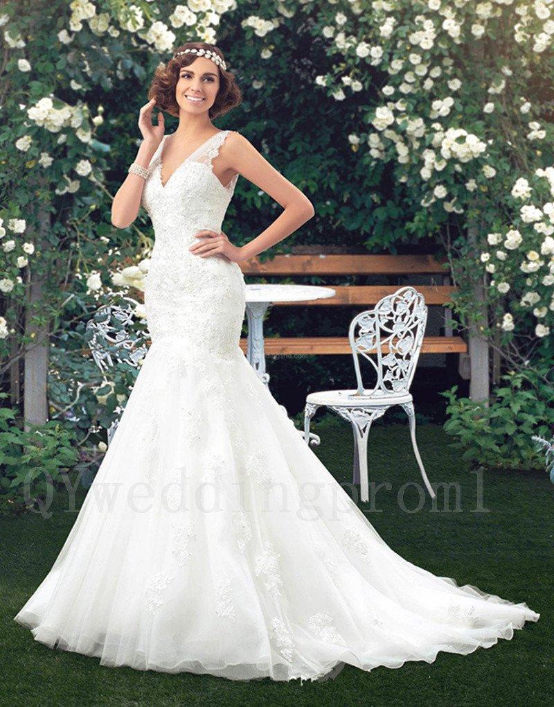 Plus Size Mermaid Sexy V-neck Long White Lace V-neck Long Train Backless Bridal Wedding Dress