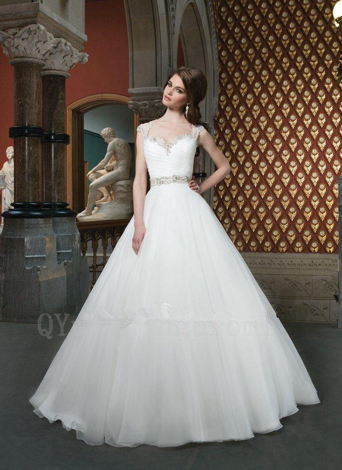 Wedding Dress Pearls A-Line Bridal Dress Fashionable Sweetheart White Long Plus Size Wedding Dress