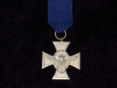 MEDAL FOR SERVICE IN THE POLICE 18 YEARS  # 10732