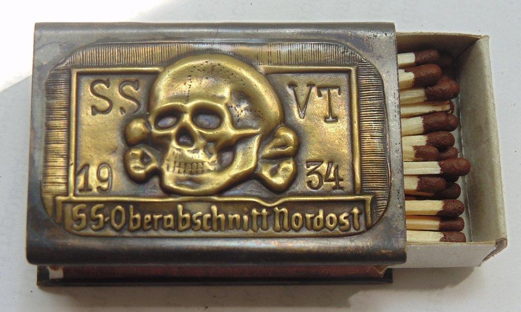 World War II matchbox #35