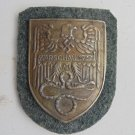 BADGE  Sleeve premium shield WARSCHAU 1944